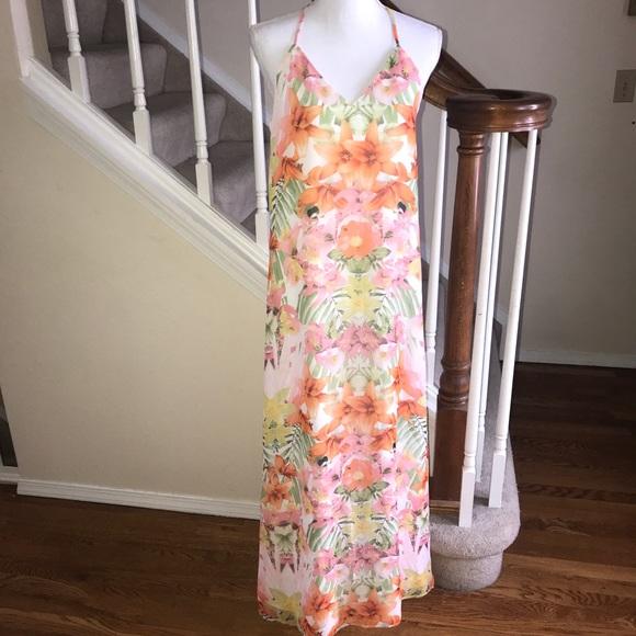8e4dff30a22 Banana republic outlet floral maxi dress size 6. NWT